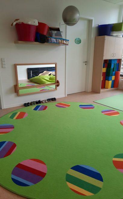 Großer Teppich für den Morgenkreis
